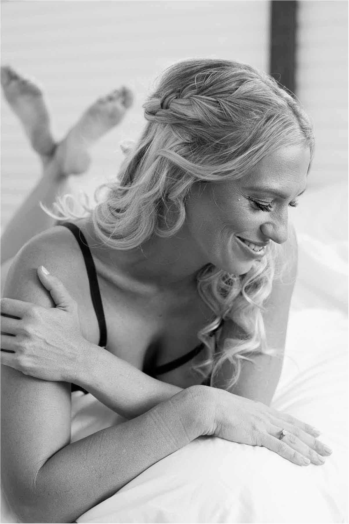 Lad en kvindelig boudoir fotograf stå dine kreative boudoir billeder.