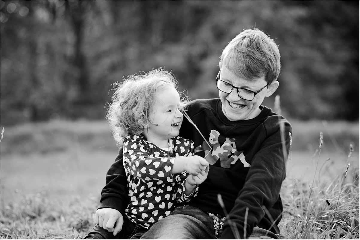 Få smukke børnefotos, familiefotos og kunstportrætter hos fotograf Fyn