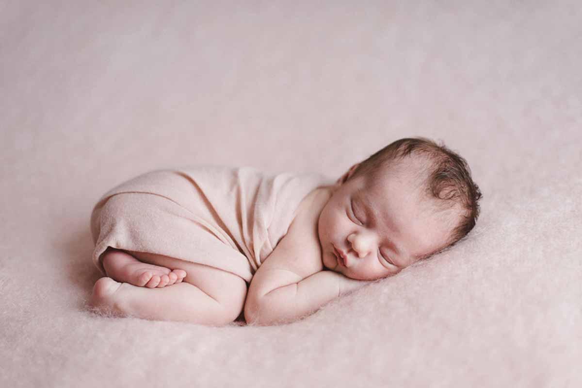 Jeg sætter god tid af til en månedsfotografering. ... Newborn billeder